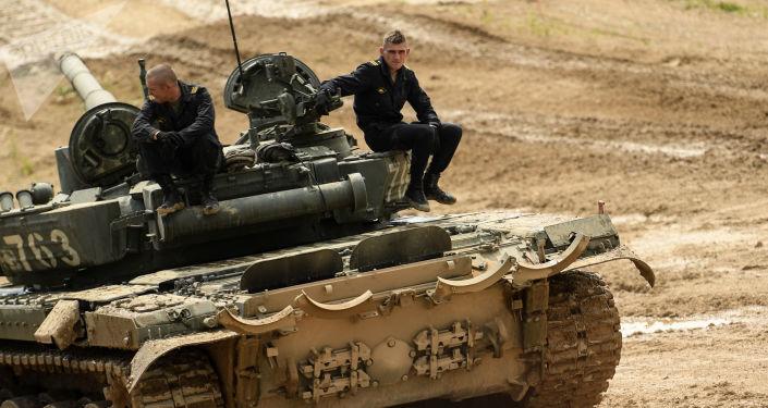 """""""أرميا 2020"""": القوات الروسية تعرض دبابة تتألق في مسابقة الألعاب العسكرية الدولية"""